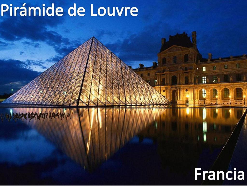 Pirámide de Louvre